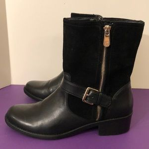 Anne Klein size 8 1/2 short suede boot like new
